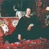 """Diana Vreeland nel suo appartamento newyorkese (il """"Garden in Hell"""" realizzato da Billy Baldwin), 1979, foto di Jonathan Becker, catalogo Diana Vreeland: Immoderate Style (curato da Koda e Martin, 1993)"""